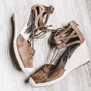 DV | Brown Wedge Sandals
